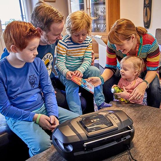 Sim, Frank und Kids auf musikalischer Weltreise